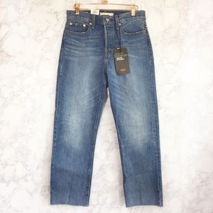NWT Levi's wedgie straight jeans size 28